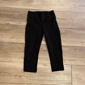 NWOT Black Lululemon Capri Leggings size 4